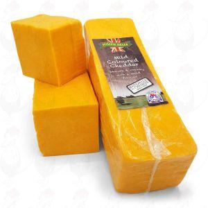 Roter Cheddar-Käse - Mild |  Block of 2,5 kilo / 5.5 lbs