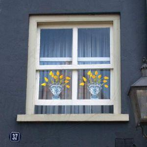 Delft Blue Tulip Gelb Fensteraufkleber - Flat Flower - 30 x 30 cm